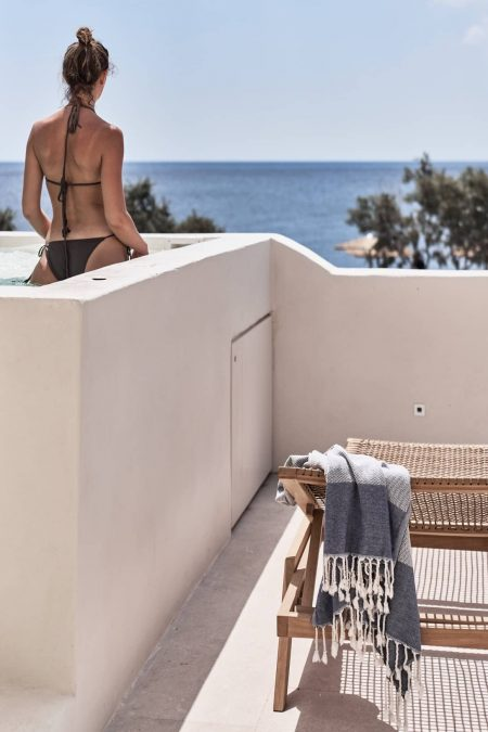 Istoria Beach Hotel Santorini 14
